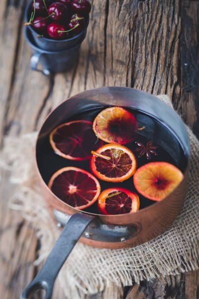 Glühwein το γλυκό ζεστό κρασί των Χριστουγέννων