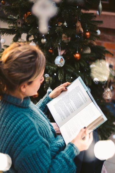 Βιβλιο-προτάσεις: 4 + 1 Βιβλία που θα σε Συντροφεύσουν τις Χειμωνιάτικες Μέρες στο Σπίτι